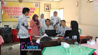 Peringati Hari Guru Nasional, PGRI Cabang Pituruh Adakan Diklat Kurikulum 2013
