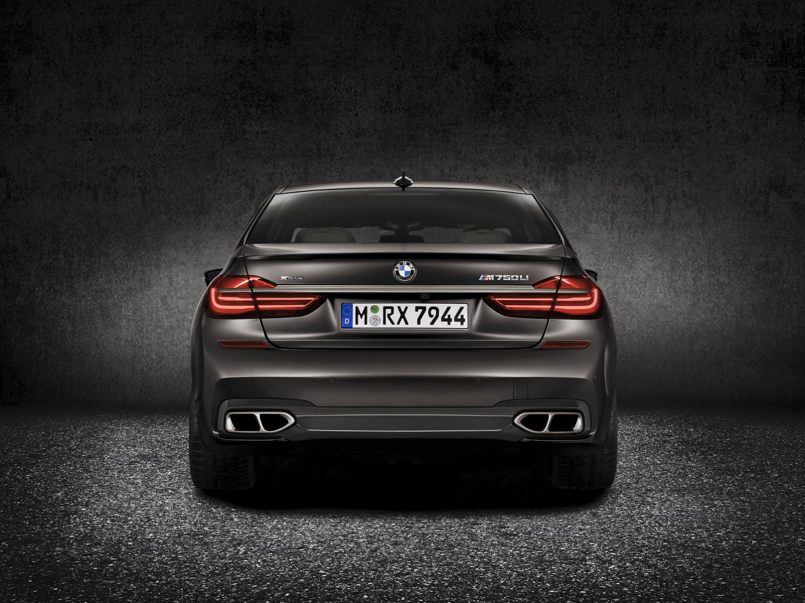 New BMW M760Li XDrive Gets Massive 66 Liter V12 Turbo With 600