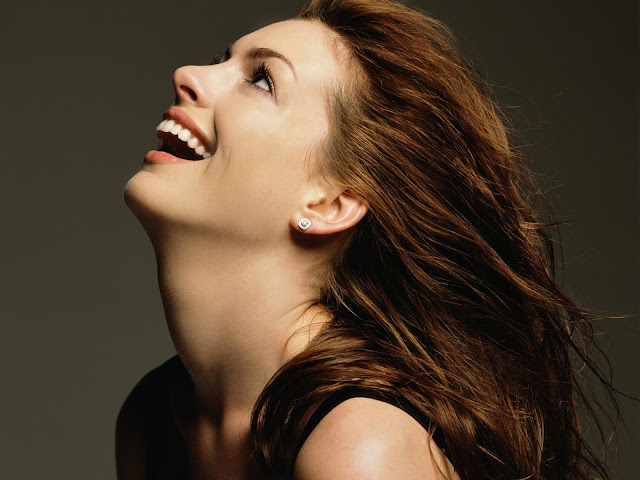Anne Hathaway Beautiful Wallpapers Laughing