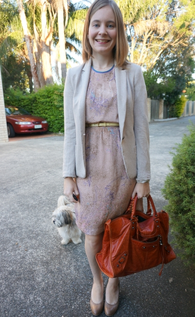 Neutral outfit with rouille rust orange Balenciaga bold bright work bag