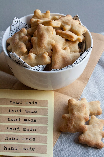 Biscotti per cani alla banana