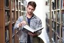 Kualifikasi dan Kompetensi Tenaga Perpustakaan Sekolah