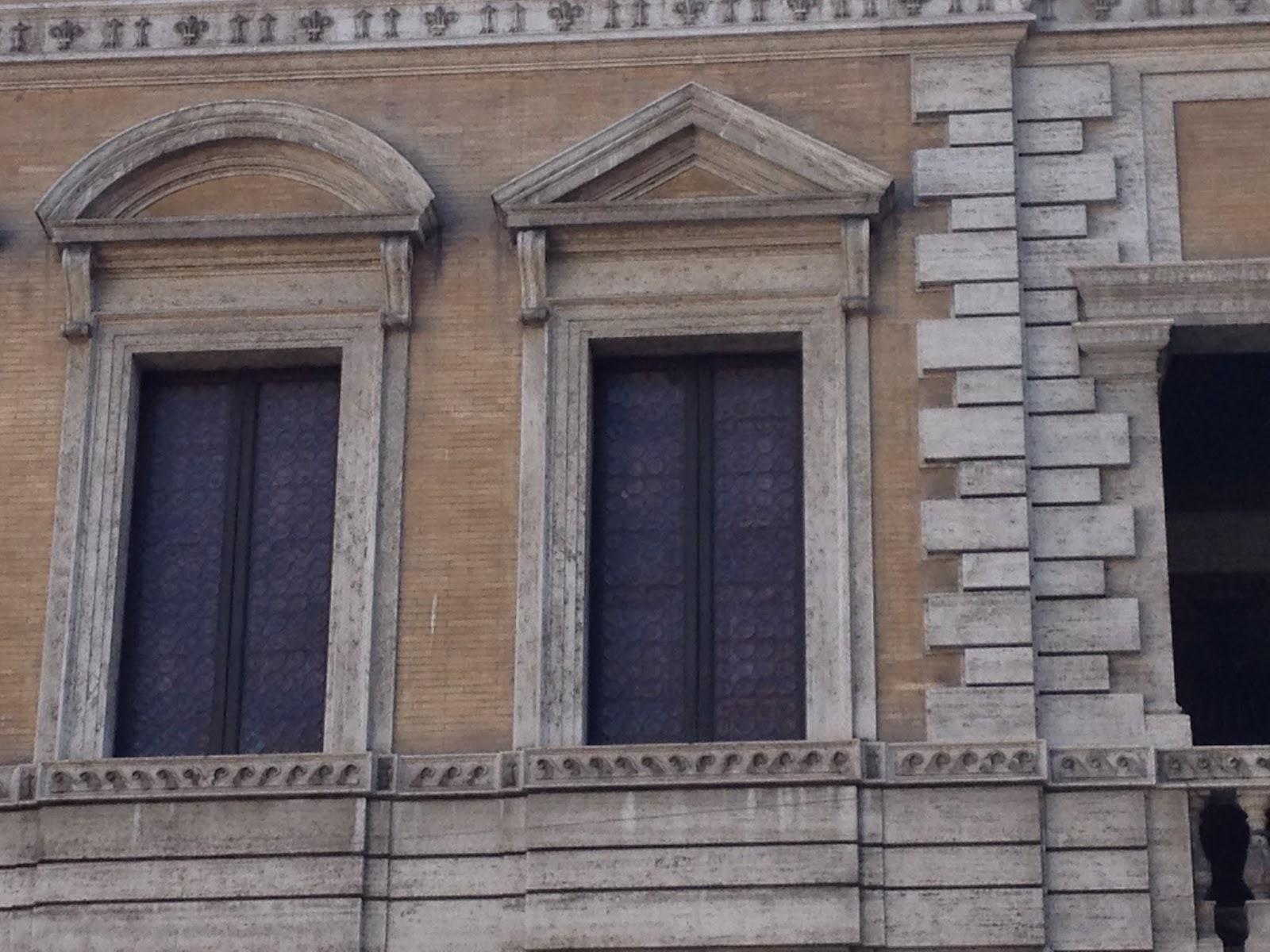 In bici per roma le pi belle finestre di roma9 - Le finestre roma ...