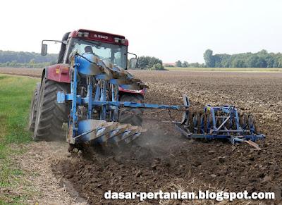 Tips Ampuh Menyuburkan Tanah Tandus dan Gersang Untuk Pertanian