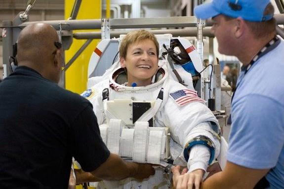Peggy Whitson, astronauta com mais tempo no espaço