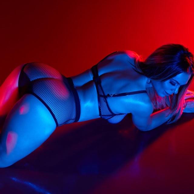 Fernanda Lacerda posa para nova campanha de marca de lingerie. Foto: Guto Bordoni/RL Assessoria - Divulgação
