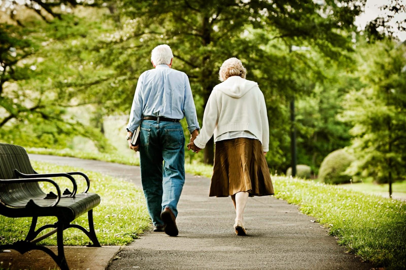 Dor nas pernas para andar pode ser sinal de obstrução das artérias