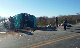 Acidente com ônibus mata nove pessoas em Salinas, no Norte de Minas