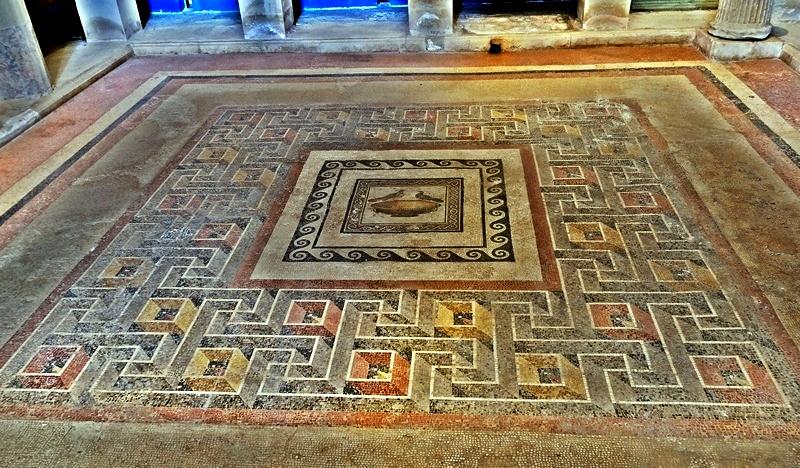 MosaicBlues: Emperor Hadrian's Mosaic of the Doves