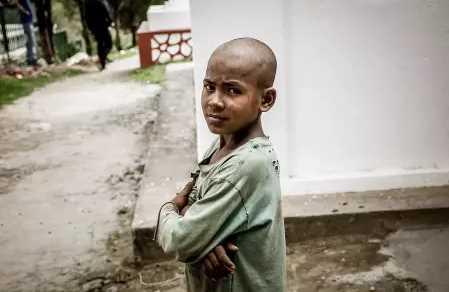 Anak Ini Dibuang Orang Tuanya, Siapa Sangka Kini Jadi Seorang Milyader