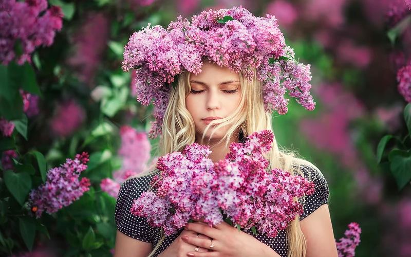 vibracion-alta-mujer-flores