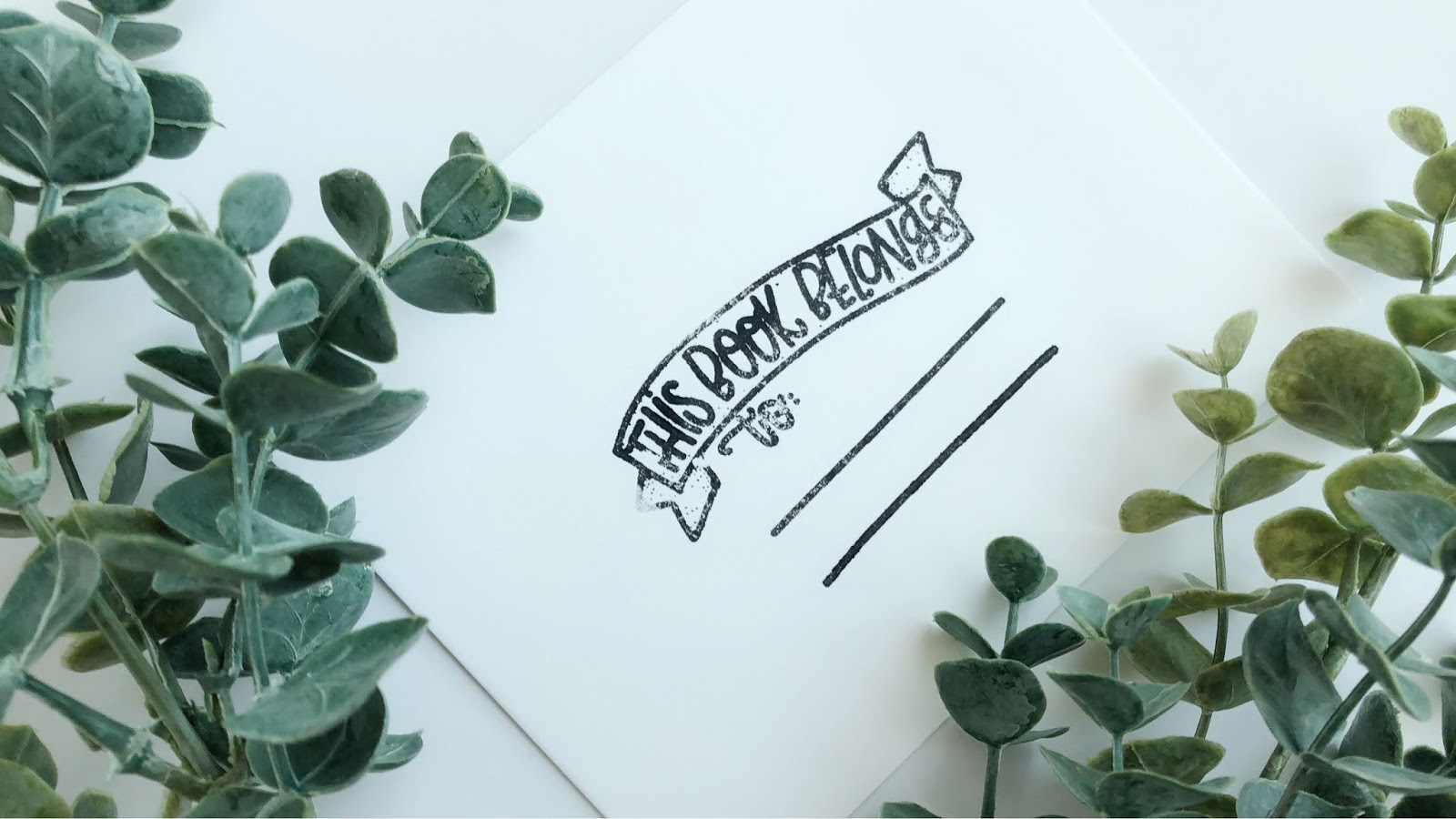 One simple way to keep your home or school library organized are with these handmade stamps or stickers! Support small business in the process at www.littlefoxblog.com