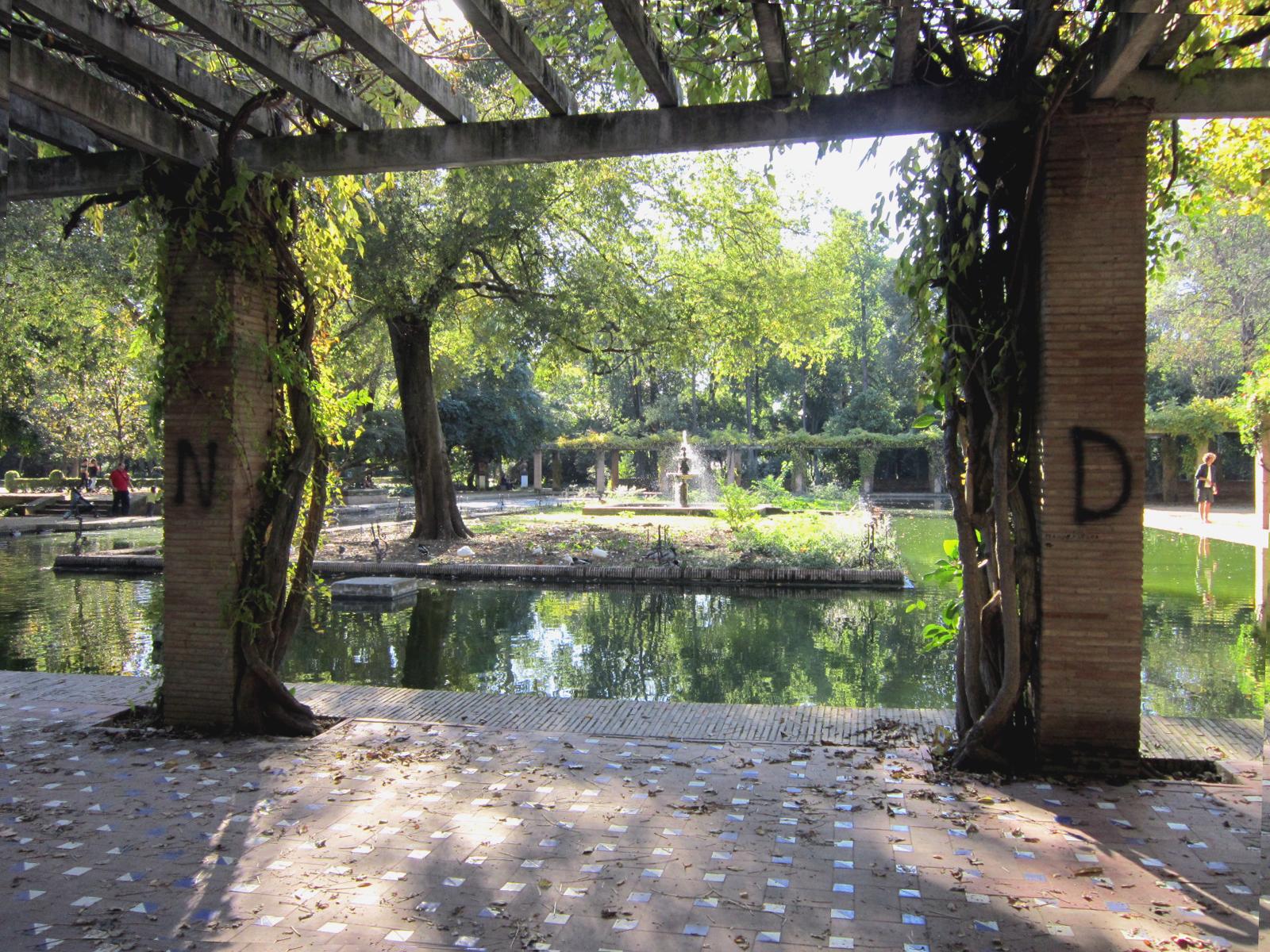 Sevilla Vida Y Leyenda Estanque De Los Lotos Parque De Maria Luisa - Estanque-rectangular