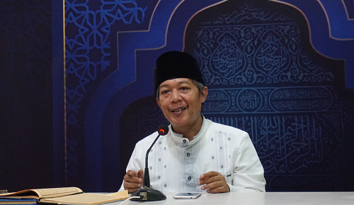 Profile Kang Lukman