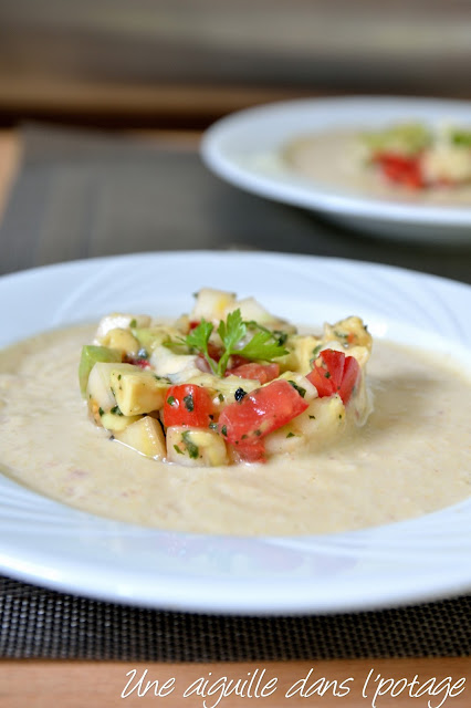 Soupe froide de lait de coco et curry (raw food)