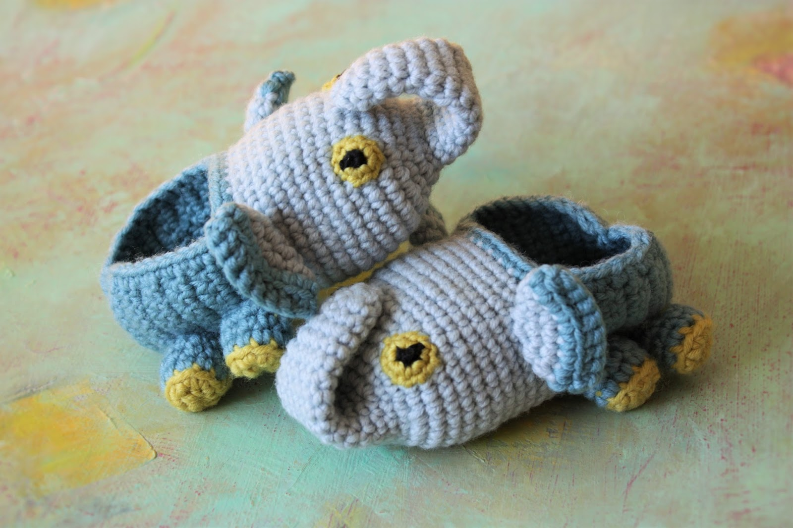 HAPPYAMIGURUMI: Fun Feet, Creature Feetures - 30 Crochet ...