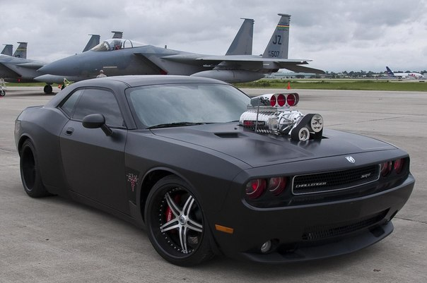 DODGE CHALLENGER SRT8 FROM THE CULT ENERGY DRINK