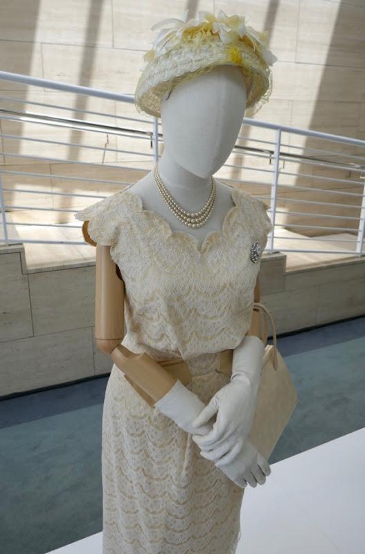 Queen Elizabeth II Ghana visit outfit Crown season 2
