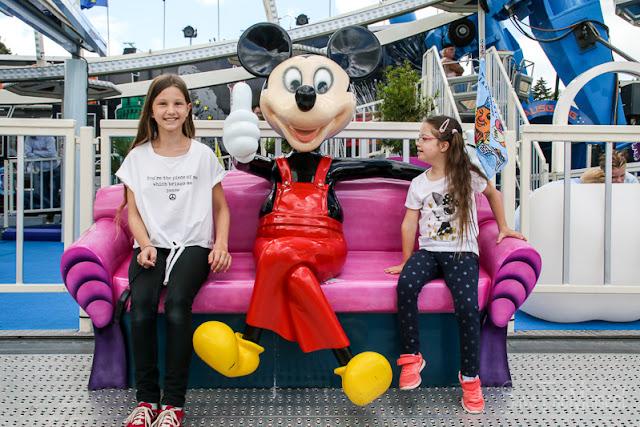 Lou und Jolina mit der Mikkey Mouse