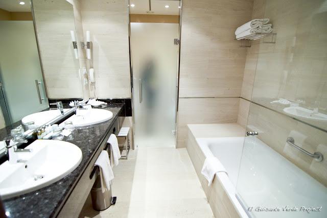 Baño habitación Parador Nacional de Corias