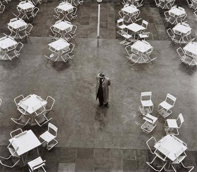 http://joeinct.tumblr.com/post/163535363277/aprilwetter-photo-by-peter-keetman-1954