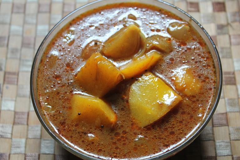 Easy Pumpkin Puli Kuzhambu Recipe - Poosanikai Puli Kulambu