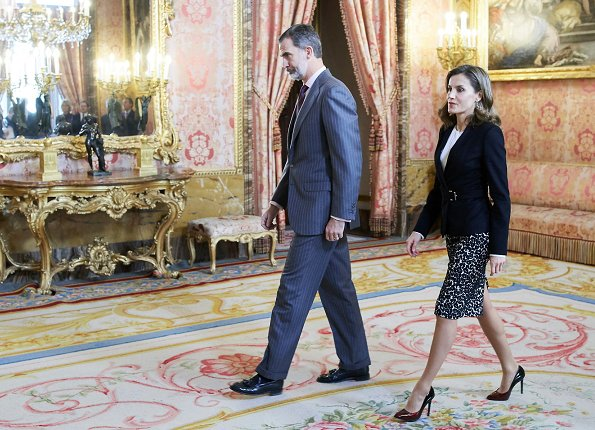 Queen Letizia wore HUGO BOSS FS Jesila Fashion show blazer, LODI Sara Rodas Shoes and Hugo Boss blouse