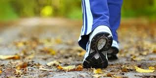 Bakar Lemak Lebih Banyak Saat Anda Berjalan Dengan 4 Cara Ini
