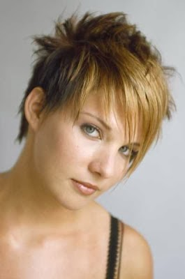 Cortes de cabello corto grafilados para mujeres