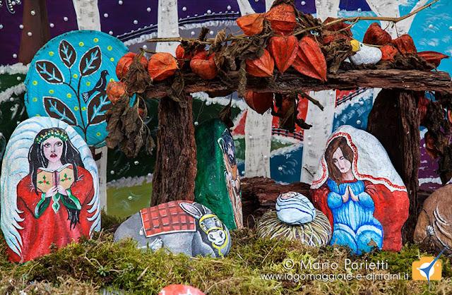 Presepi sull'acqua a Crodo 2016, di pietre dipinte