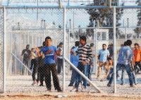 Η ΕΕ πιέζει την Ελλάδα να μειώσει τον αριθμό των αιτούντων άσυλο- Προβλήματα με την διαδικασία στην Μυτιλήνη