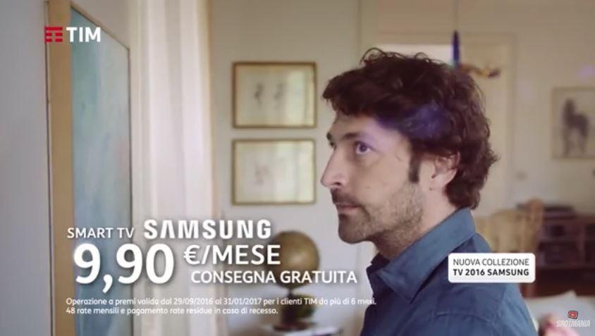Modello e modella Tim pubblicità samsung smart tv con Foto - Testimonial Spot Pubblicitario Tim 2017