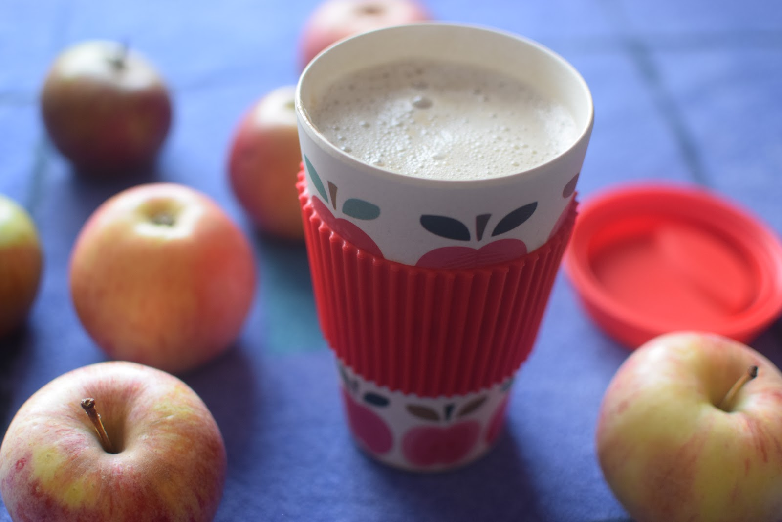 , Apple and Cinnamon Syrup Soy Latte Recipe #dairyfree #vegan