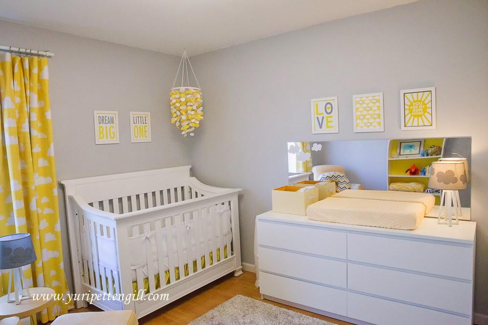 Perfect home quarto beb tema nuvens amarelo e cinza for Dormitorio moderno blanco y gris