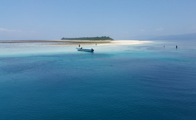 Xvlor.com Kasa Island is day snorkeling and watching maleo bird overnight