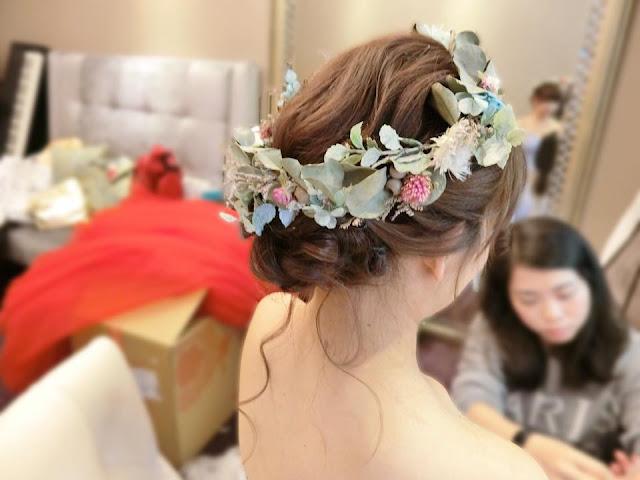 森林風乾燥花圈造型 | 乾燥花圈盤髮 | 甜美風格 | 送客造型 | 盤髮造型