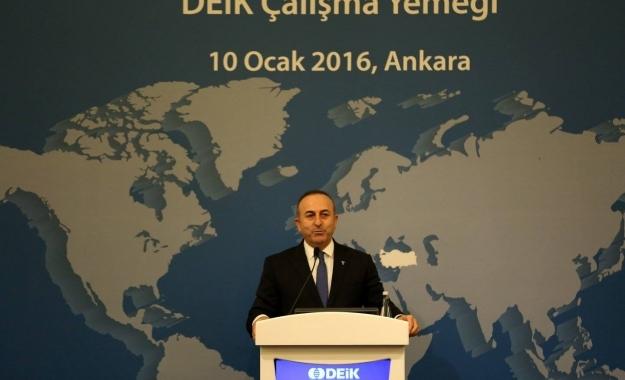"""Τσαβούσογλου: """"Ζητάμε την έκδοση και των οχτώ τούρκων στρατιωτικών"""""""