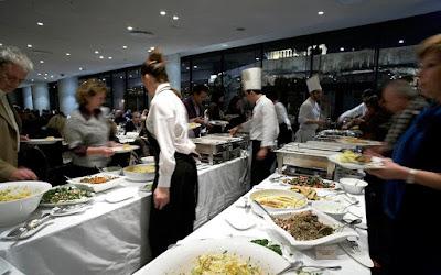 Τσικνοπέμπτη στο εστιατόριο του Μουσείου Ακρόπολης με μουσική τζαζ