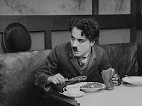 """Кадр из фильма Чарли Чаплина """"Иммигрант"""" (1917) - 10"""
