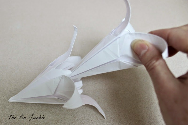 how to make origami lilies