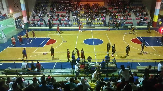 Suspenden serie final del torneo superior de baloncesto Barahona 2018