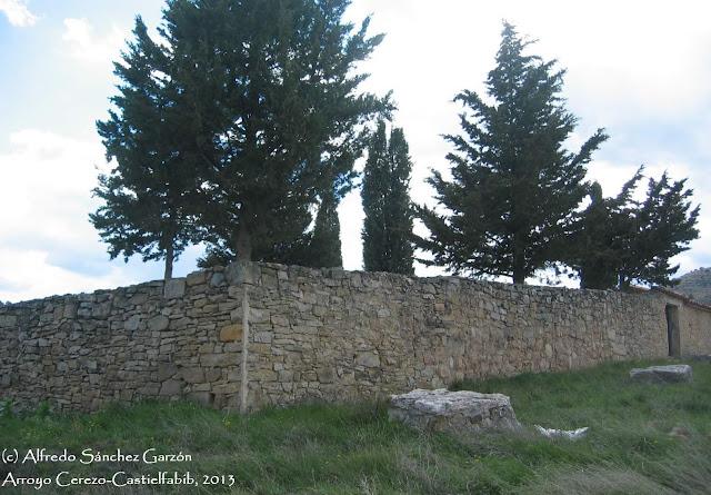arroyo-cerezo-castielfabib-cementerio-tapias