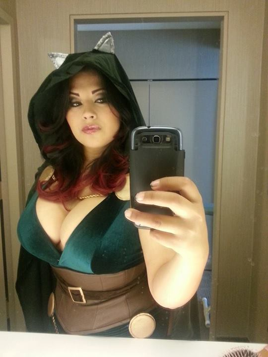 Ivy Doomkitty cosplay geek-selfie.