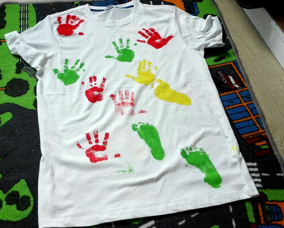 Prezent na Dzień Ojca - koszulka w łapki