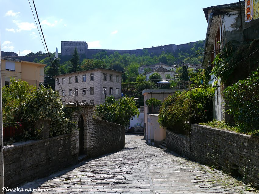 starówka w Gjirokastrze