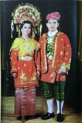 pakaian-adat-suku-minangkabau-sumatera-barat