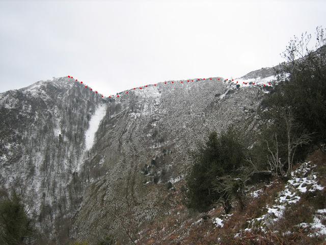 Empieza a aparecer nieve en la ascensión