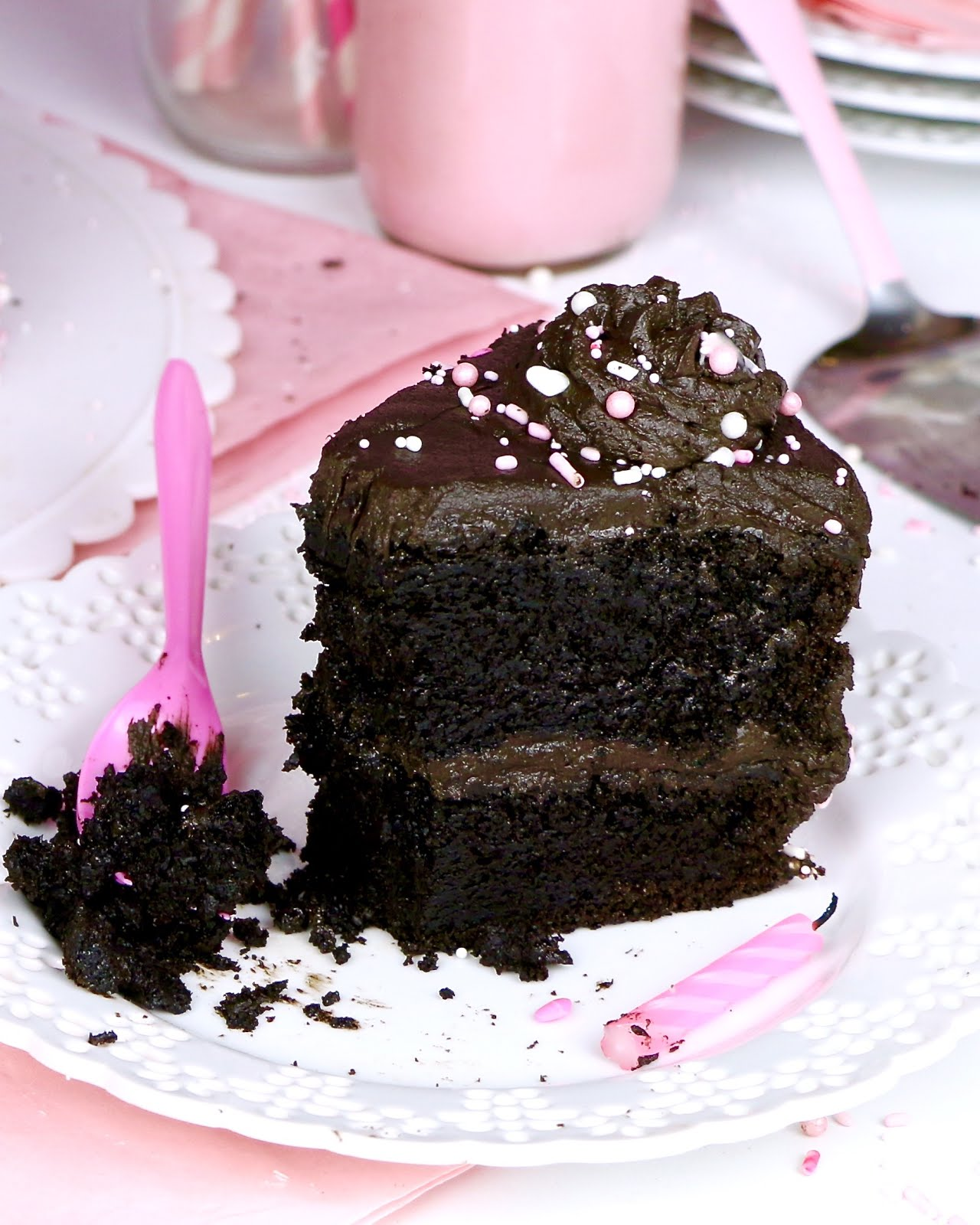 Video The Best Chocolate Cake With Chocolate Frosting