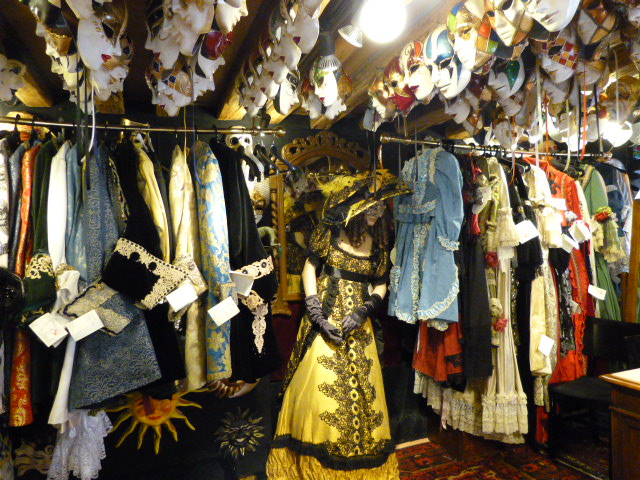 Handmade Carnevale costumes available for rent at Ca Del Sole