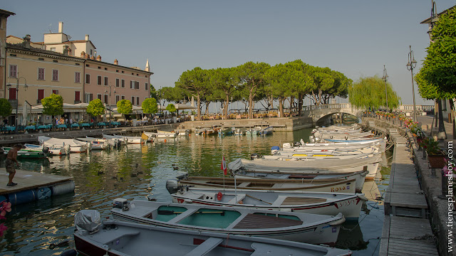 Desenzano di Garda pueblos lago di Garda Italia